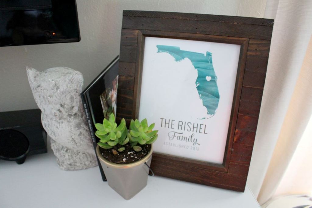 Decor for the top of a dresser