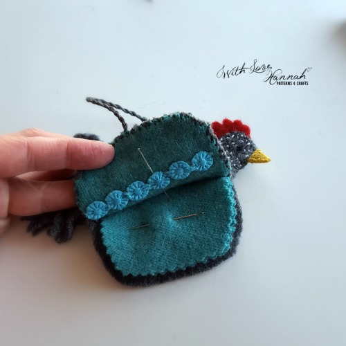 Wool Felt Hen Needle Book Pattern & Tutorial