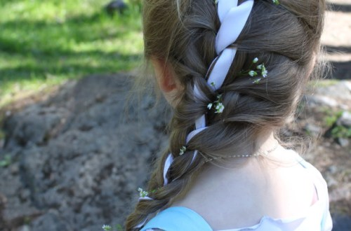Elsa braid with flowers