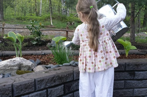 Bloomers and a pinafore