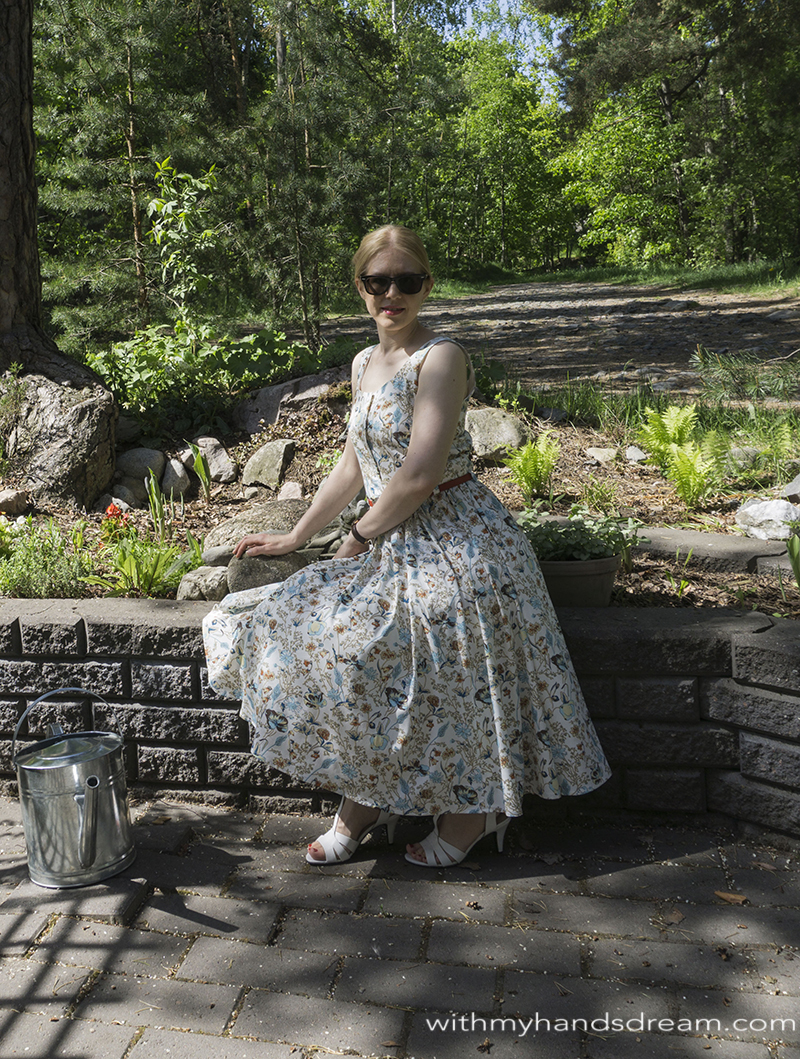 back-to-the-50s-with-bette-dress