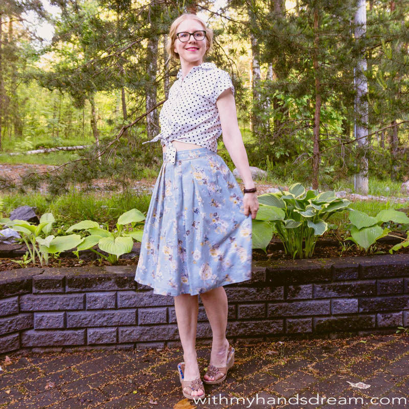 Sew Over It Penny tiefront top with Lizzie skirt.