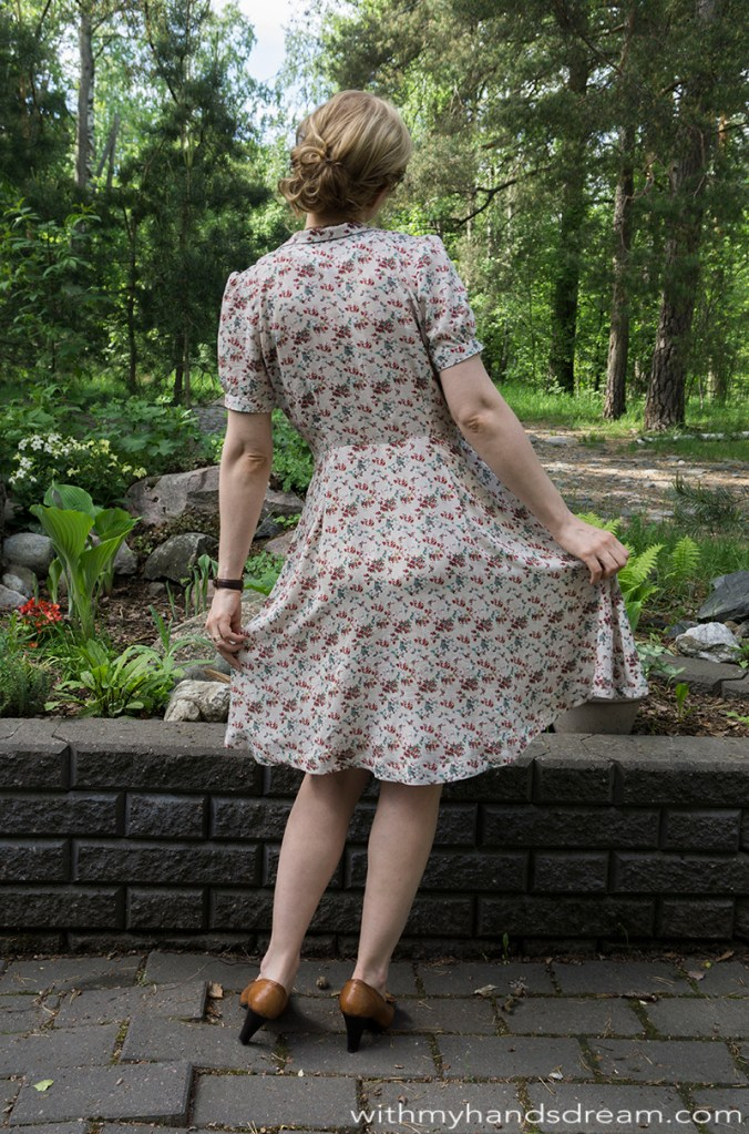Sew Over It Vintage Shirt Dress I made, back view.