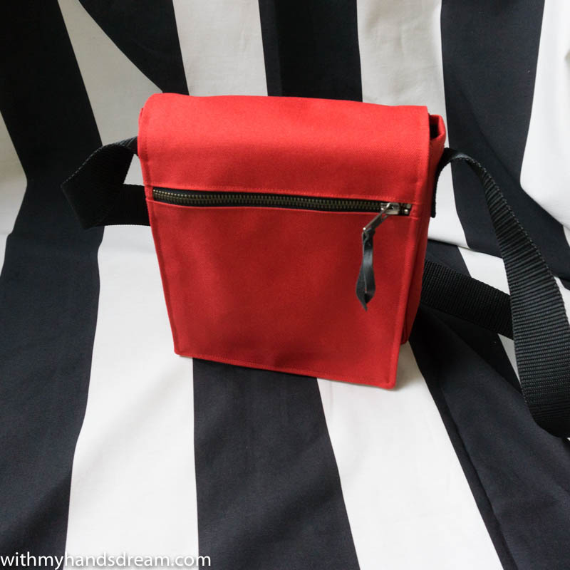 Image: The red bag, front view.