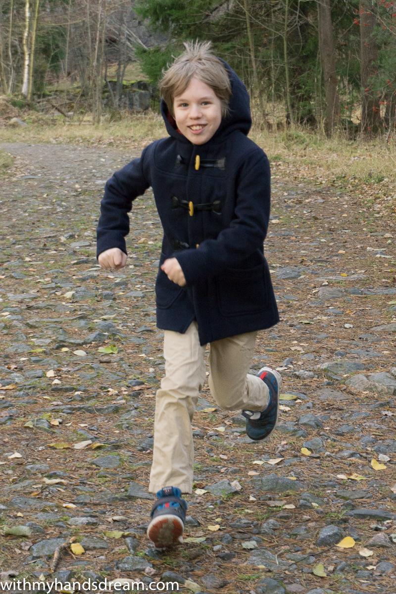 Ottobre design 06-2012 40. Klassikko duffle coat for boys.
