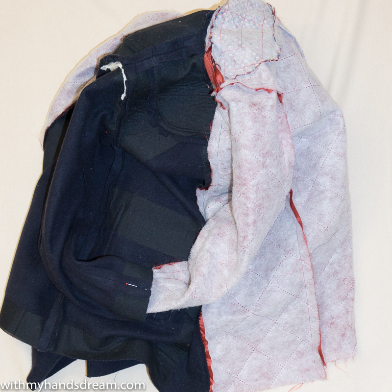 Ottobre design 06-2012 40. Klassikko coat in the process of fastening the lining..