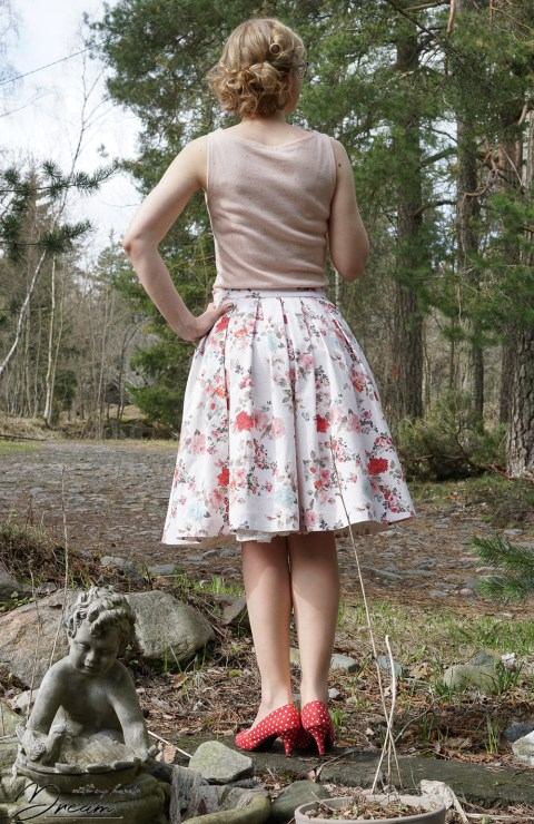 The pleated skirt calculator: the resulting skirt from the back.