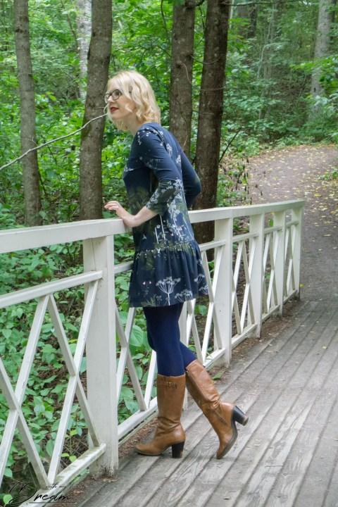 Sheona dress by Athina Kakou, side view.
