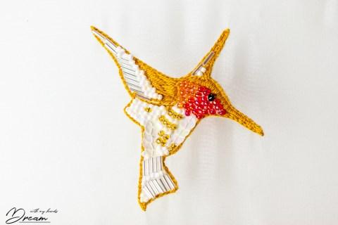 Beaded hummingbird. The finished design.