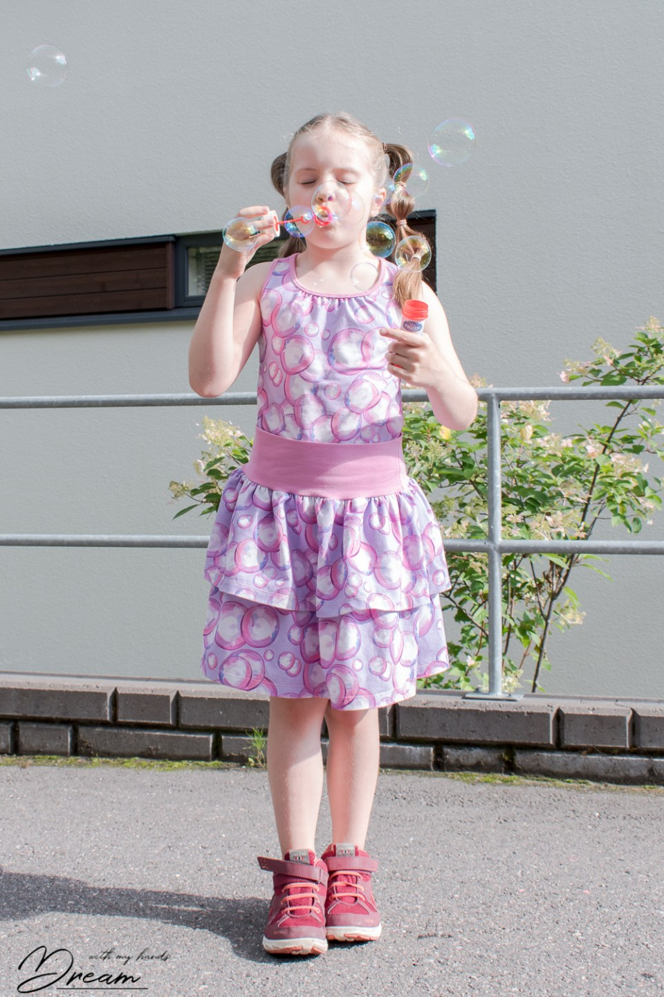Bubble jersey outfit with Ottobre 4/2011 34. Glow-worm top.