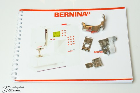 The presser feet that come with Bernina Activa 210.