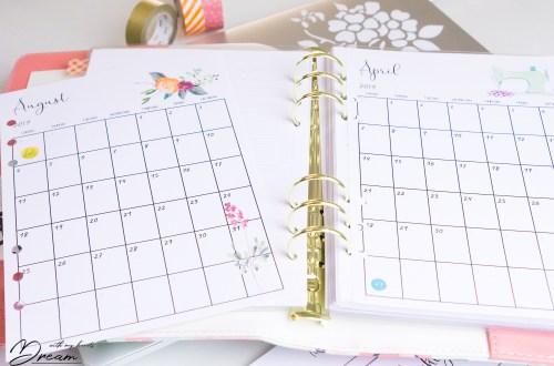 Sewist's planner: Monthly calendar.