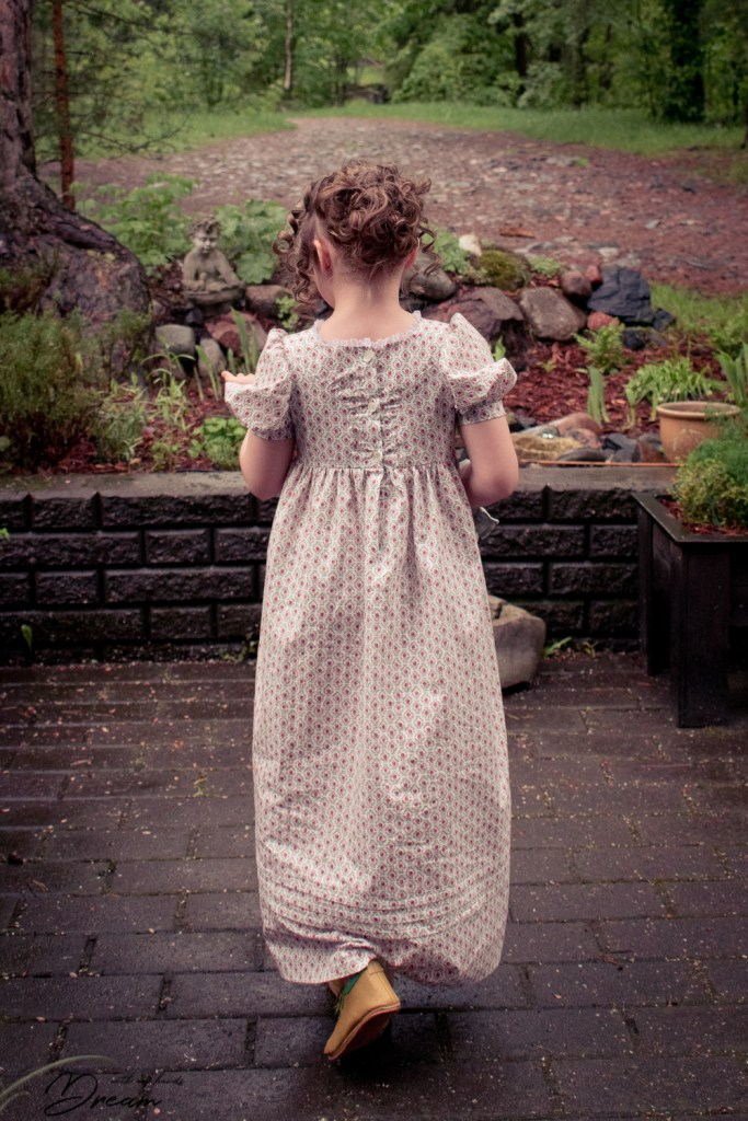 Making an Empire outfit: Girl's Regency dress by Sense and Sensibility patterns, back view.