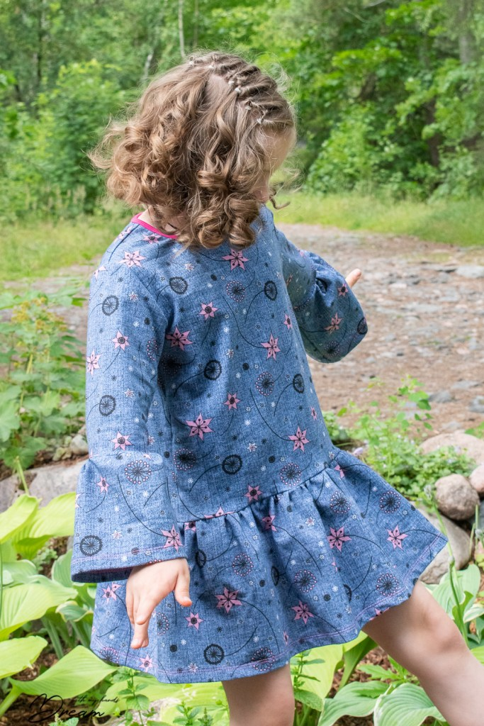 My 70s inspired dress I made for my daugter out of Zigga Flowerpower sweatshirting.