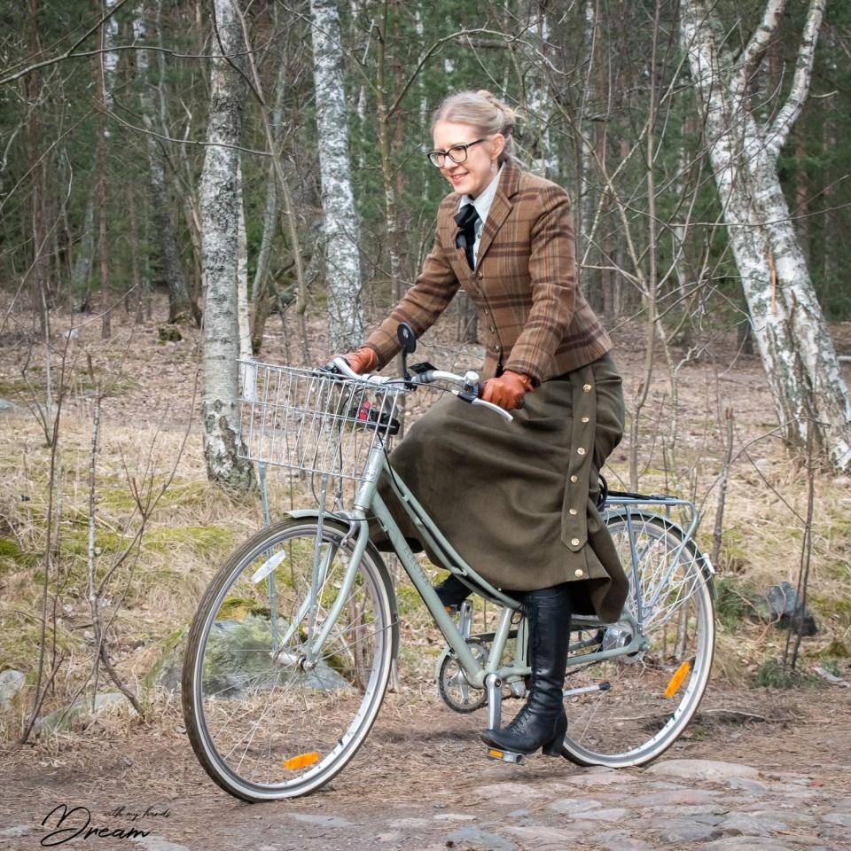 Riding my bike wearing my new cycling skirt.