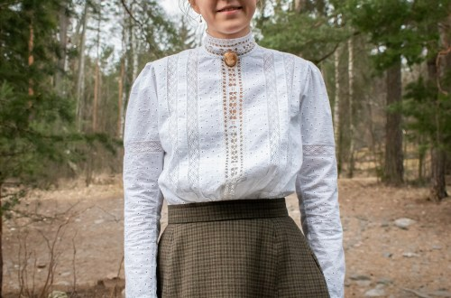 Wearing History: 1900-1910s blouse.