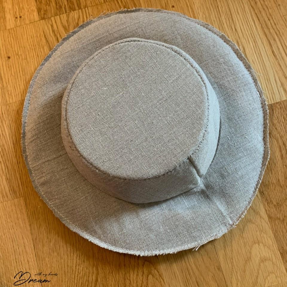 A hat in progress...