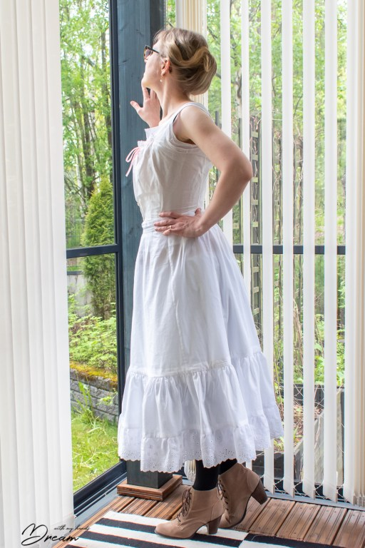 A side view of the petticoat with the bustle.