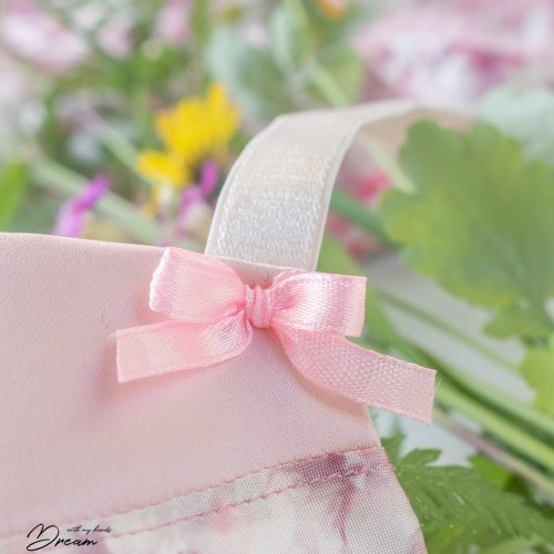 Pink ribbon bows were made with the help of a fork.