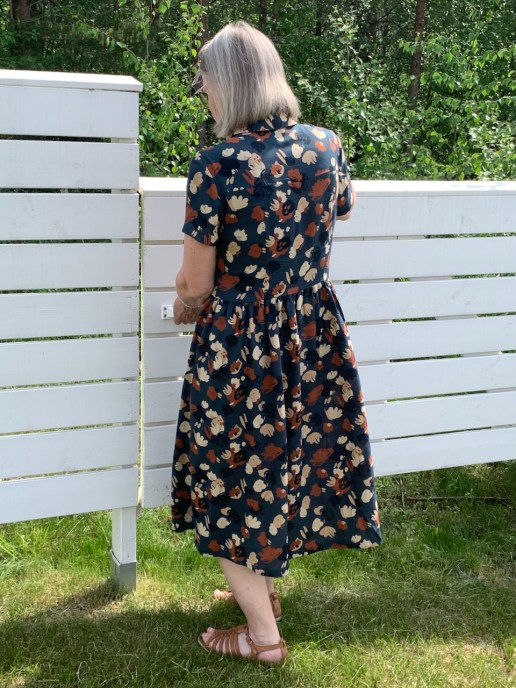 Saraste dress from the back.