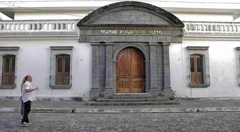 Teatro Alejandro Cotto Suchitoto El Salvador