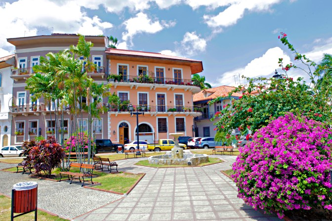 Casco Antiguo Center - JoeBaur