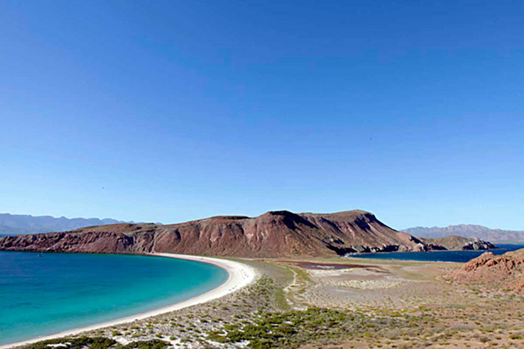 hiking-isla-san-francisco-baja-california-sur-mexico