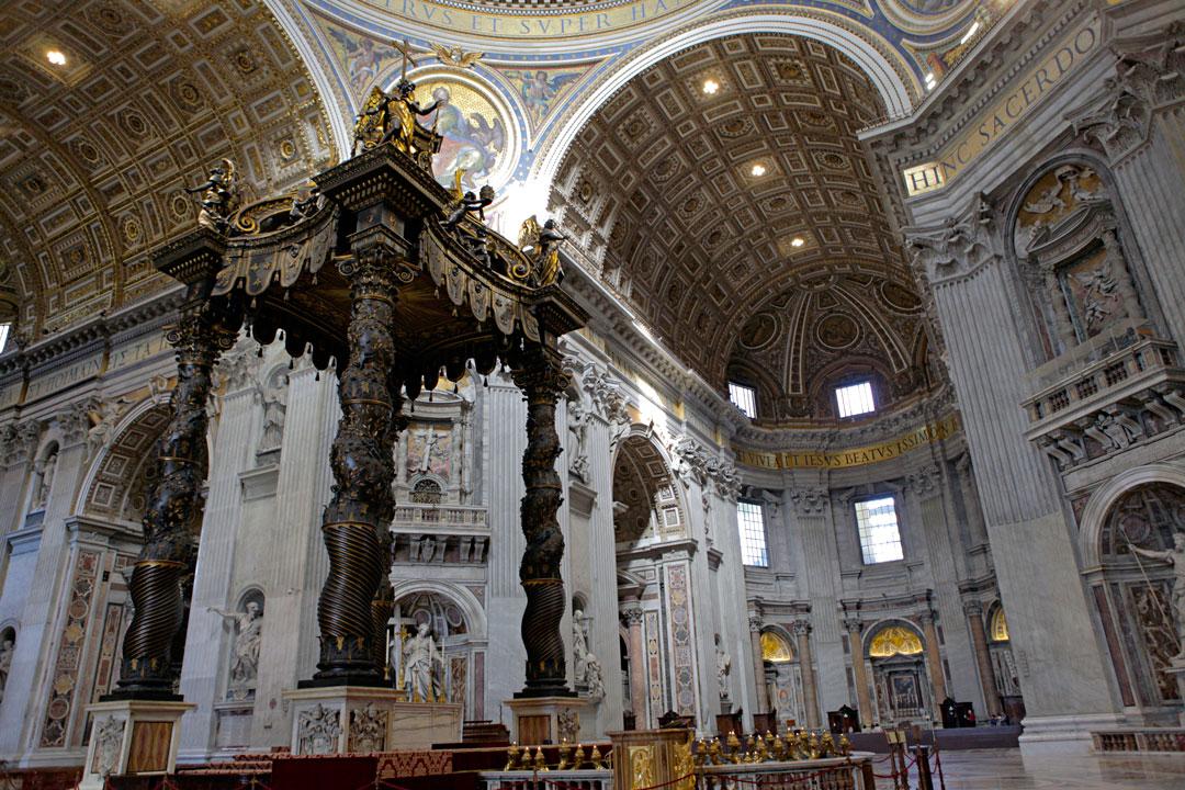 inside-st-peters-basilica-vatican-rome