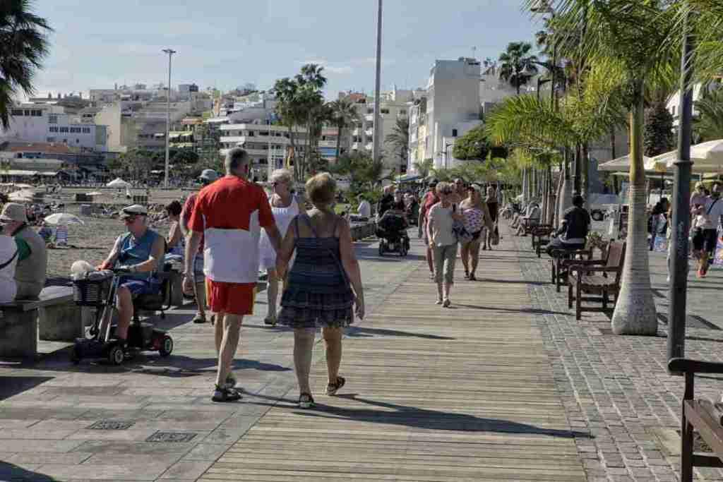 Los-Cristianos-Paseo-in-Tenerife-Spain