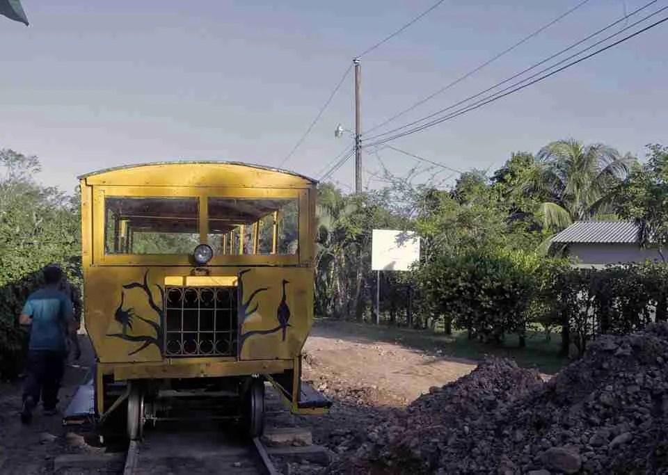 Honduras Banana Train Cuero Y Salado
