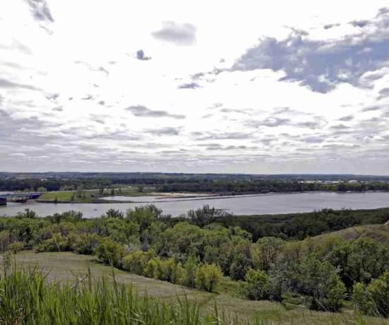 Missouri River Cycling Things To Do In Bismarck North Dakota