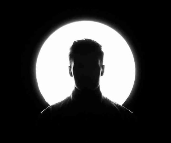 silhouette of a man in blacka nd white