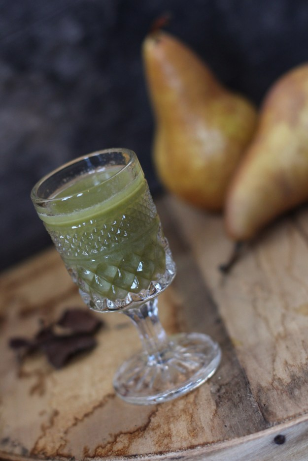 Pear Juice and Pears