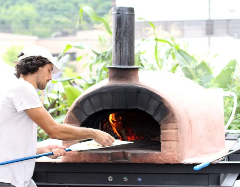 Pizza in Pittsburgh: Pizza Boat