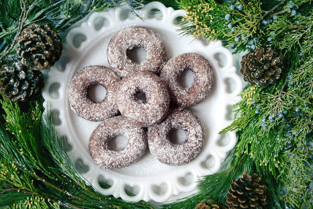 Donut o' the Month: Powdered Whole Wheat Gingerbread // www.WithTheGrains.com