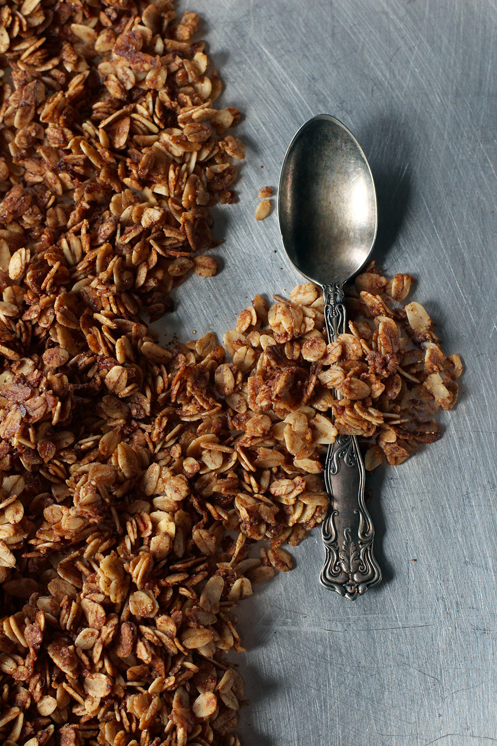 Gingerbread Granola // www.WithTheGrains.com