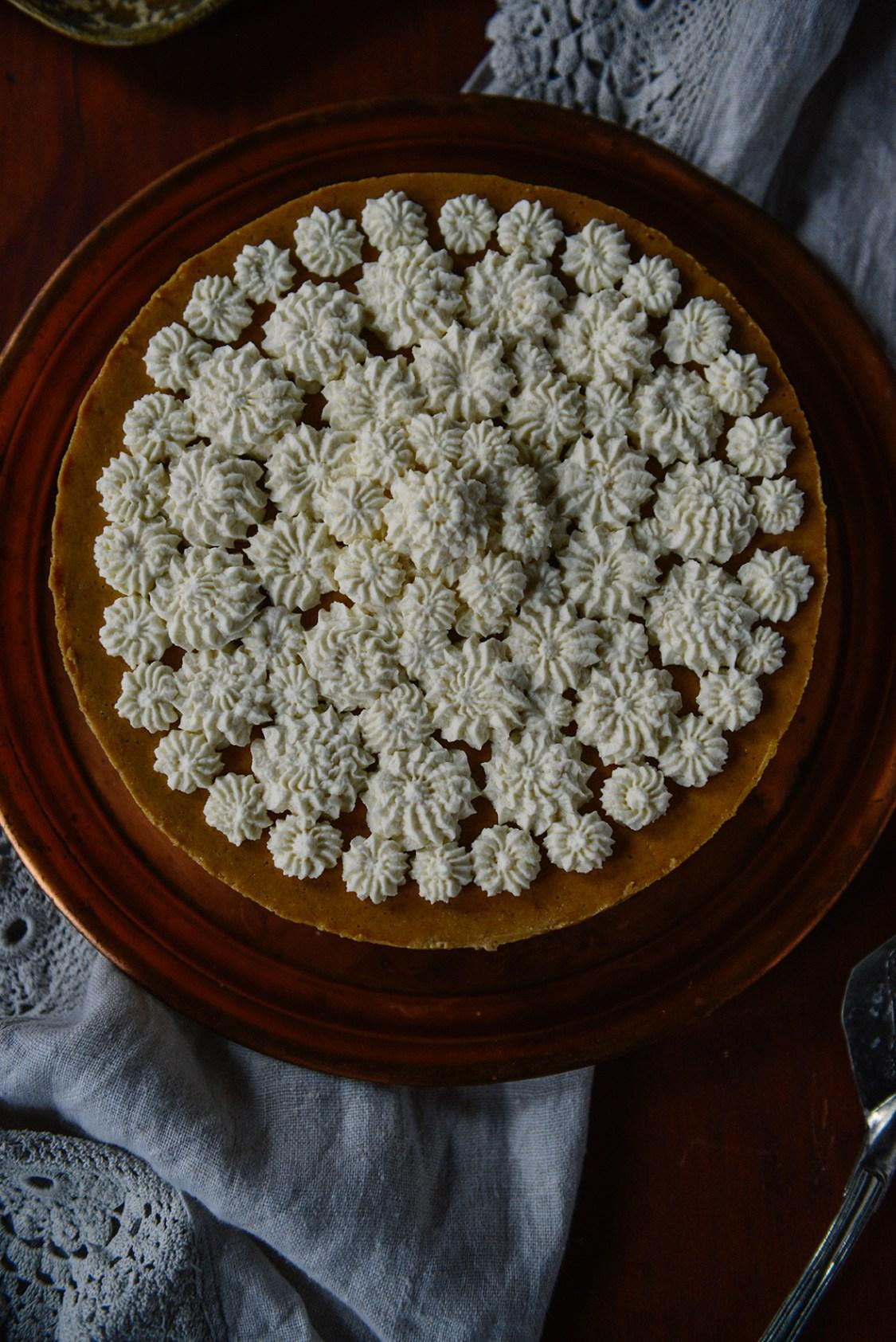 Pumpkin Cheesecake w/ Gluten Free Ginger & Spice Oat Crust // www.WithTheGrains.com