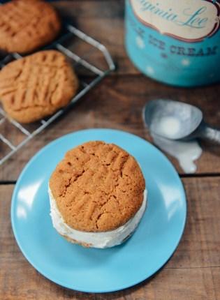82-Peanut-Butter-Ice-Cream-Sandwiches-04
