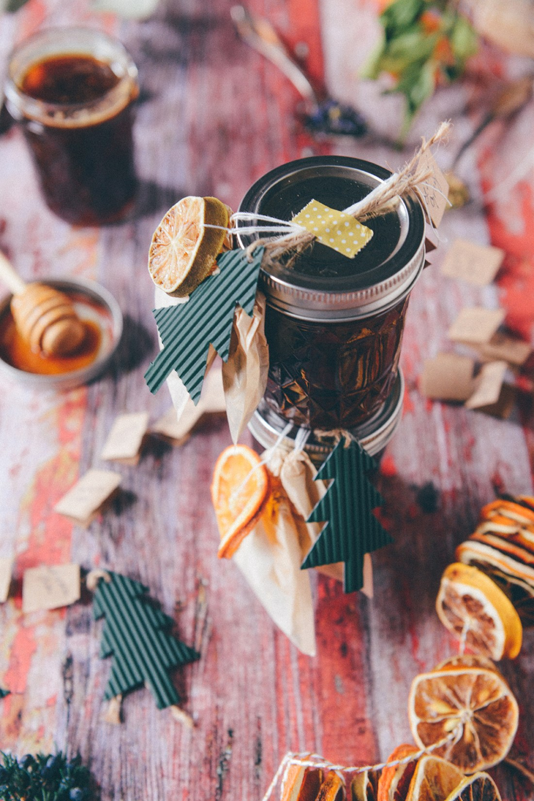 Edible Gift Idea: Local Honey & Winter Tea Sets // www.WithTheGrains.com