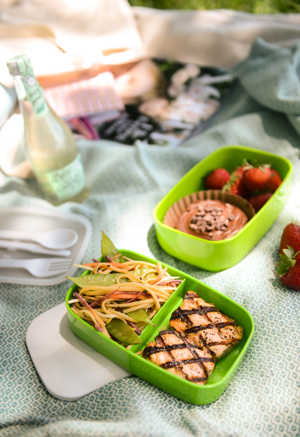 Get Outside: A Picnic for One // www.WithTheGrains.com