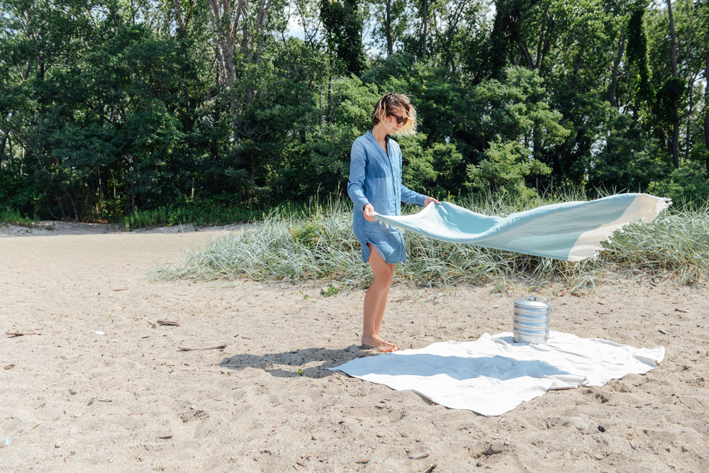 Beach Picnic at Lake Erie to Soak up the End of Summer
