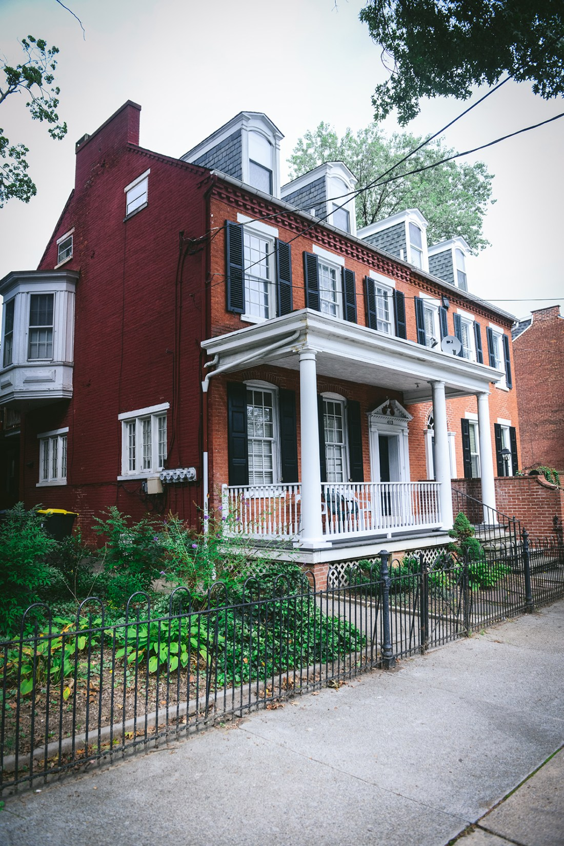 An historical home in Lancaster, Pennsylvania // www.WithTheGrains.com