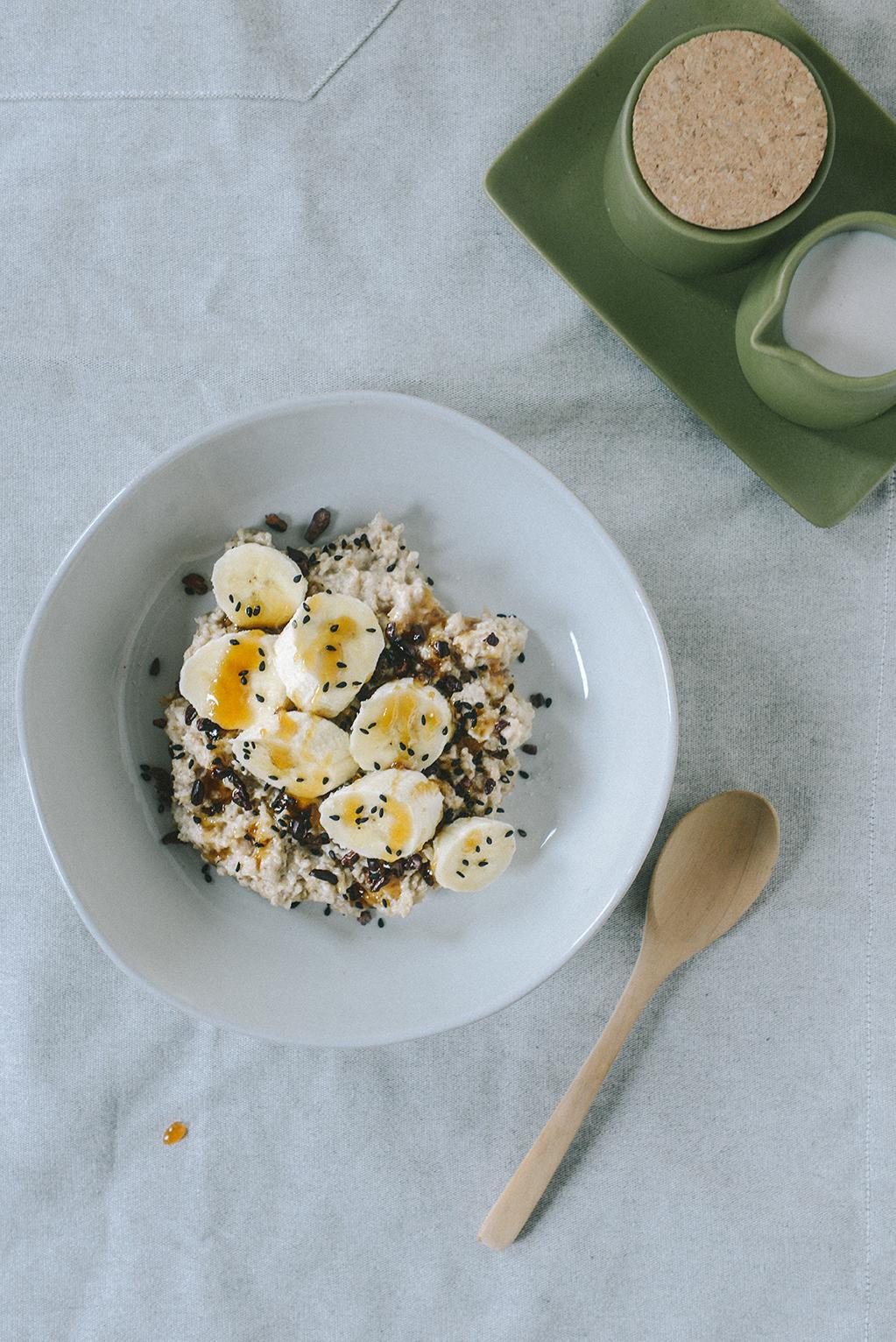 Gluten-Free Banana Tahini Porridge Inspired by London's 26 Grains // www.WithTheGrains.com