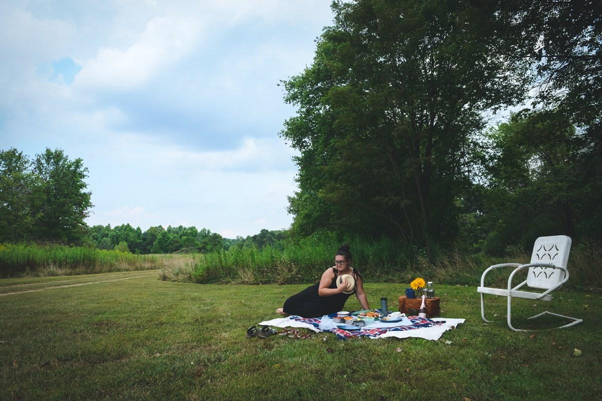 Summer Bucket List: A Flea Market Picnic  // www.WithTheGrains.com