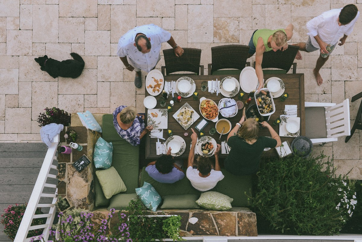 A Seafood Gathering in Stone Harbor // www.WithTheGrains.com