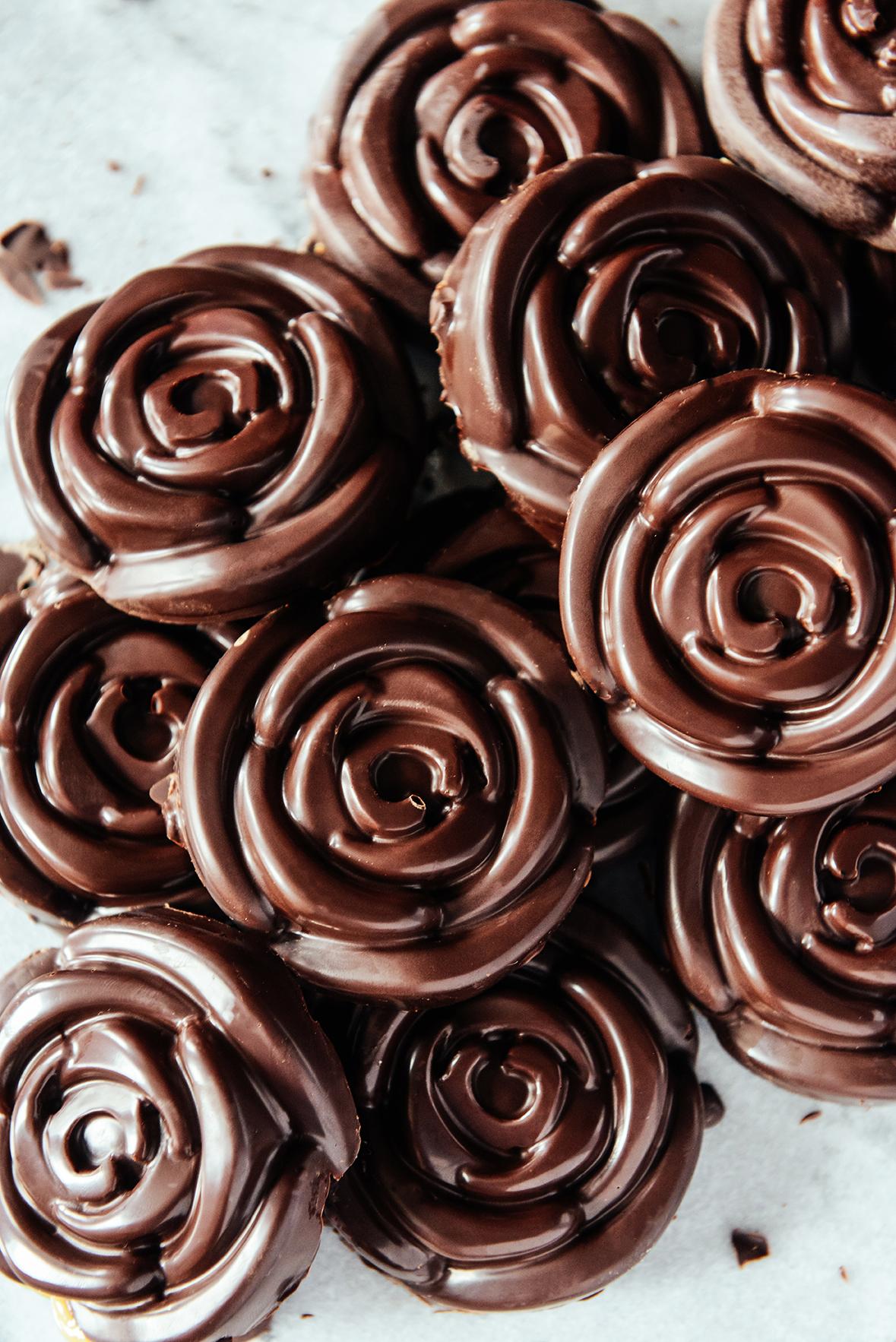 Chocolate Roses Because.... Schitt's Creek! // www.WithTheGrains.com