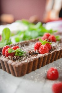 A Whole-Grain, Gluten-Free Chocolate Tart with Fresh Mint & Berries // www.WithTheGrains.com