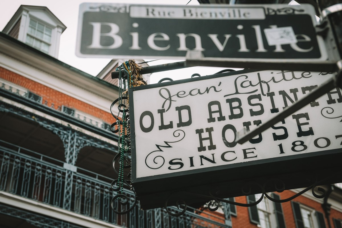 A Local's Guide to New Orleans // www.WithTheGrains.com