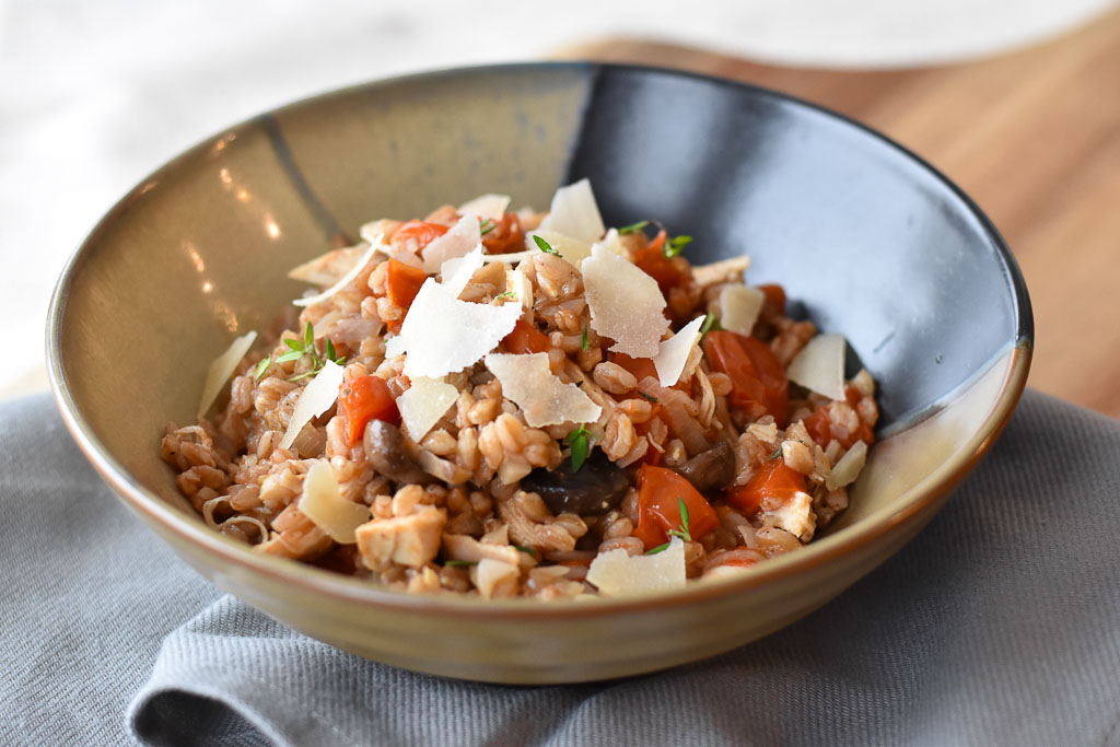 One Pot Farro with Chicken and Tomatoes