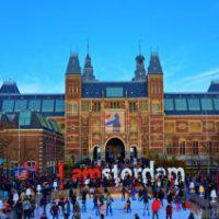 Amsterdam to miasto, gdzie pieszy nie ma (prawie) żadnych praw.